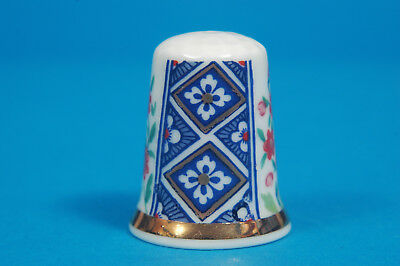 Royal Worcester Historical Patterns No.19 China Thimble B/100