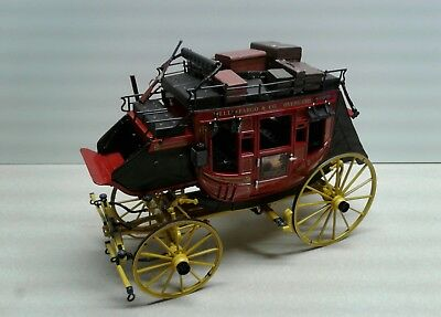 FRANKLIN MINT MODEL PRECISION DIE CAST WELLS FARGO STAGECOACH with LUGGAGE