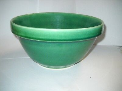 "Vintage 9"" across Green Ceramic Mixing Bowl"