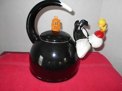 Sylvester Cat and Tweety Bird Teapot Warner Bros. Looney Tunes