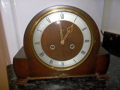 ANTIQUE 1950s SMITHS ENFIELD WOOD STRIKING CLOCK WITH ORIGINAL KEY
