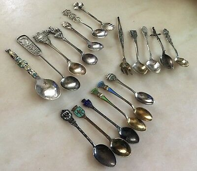Eighteen Vintage Sterling Silvering 925 Lot Of Souvenir Spoons