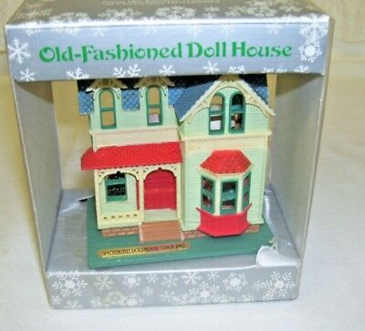 Old-Fashion Doll House 1986 Enesco Christmas Decoration Never Removed From Box