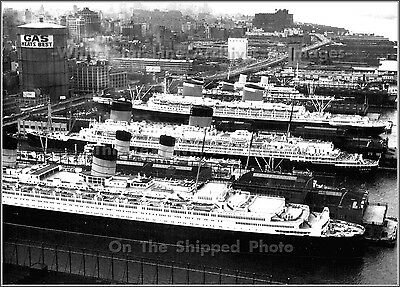 Poster Print: SS United States, SS Liberte & The RMS Queen Elizabeth, NYC, 1958