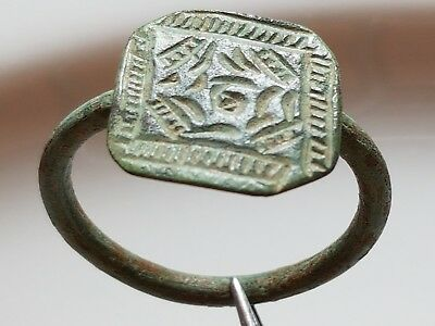 BYZANTINE Bronze RING ** LIGHT GREEN PATINA GREAT SQUARE TOP