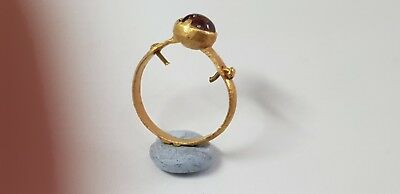 ROMAN GOLD RING WITH GEM  2nd,3rd  Century AD