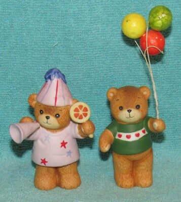 2 Vintage Lucy & Me Bear Figurines, Party Hat & Balloons