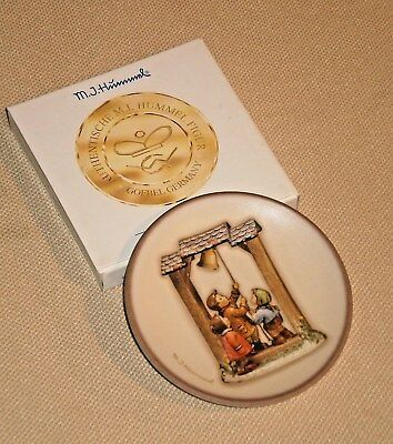 Mini Plate M.I.HUMMEL Century Collection LET'S TELL the WORLD Goebel Boxed 894s