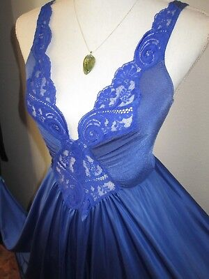 "Spectacular Vintage OLGA Nightgown 92270  Sz S/M  Huge 184"" Sweep Gown Blue vtg"