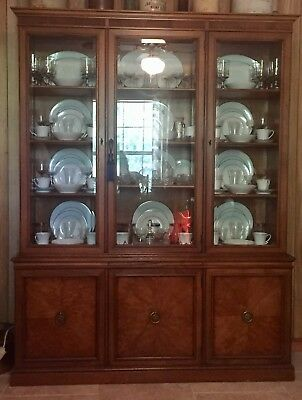 Henredon Breakfront China Cabinet With, Henredon Breakfront China Cabinet