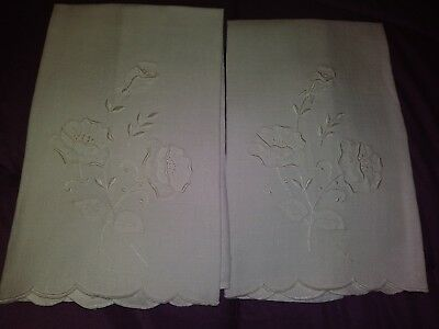 """2 Beautiful Madeira Embroidered and Applique Linen Hand Towels 16"""" by 11"""""""