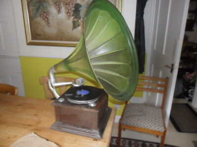 A original working  Selby tin horn Gamophone Phonograph with needles & records