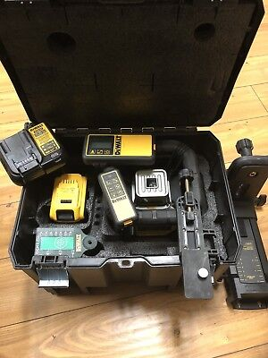 DEWALT 20-Volt MAX Li-Ion Green Outdoor Tough Rotary Laser Level Kit