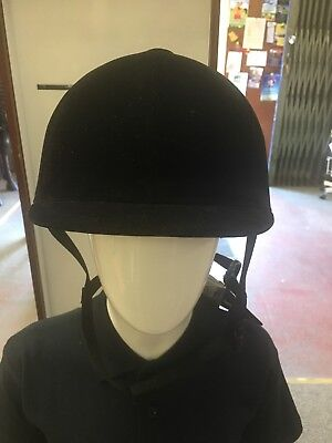 Brand New With Tags Horze Velvet Riding Hat Size 61cm