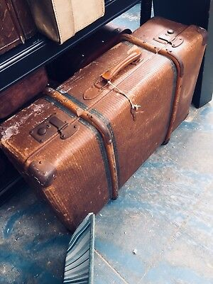 Vintage Trunk: Case With Key