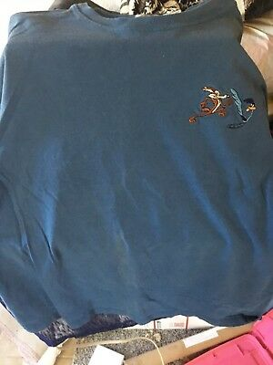 ROADRUNNER/ WILEY COYOTE   LOONEY TUNES PLYMOUTH XL T shirt