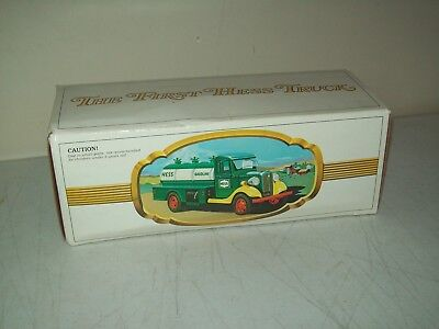 1983 black switch Hess Truck British Hong Kong working mint in box 1933 design