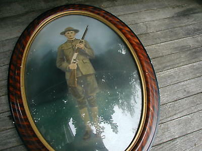 Antique Wwi Us Army Soldier W/ Gun Oval Frame Convex Bubble Glass