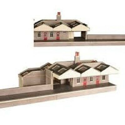 N Scale Metcalfe Parcels Office - PN131
