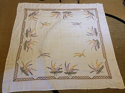 VINTAGE RETRO TABLECLOTH - HAND MADE, size 1530mm x 1470mm