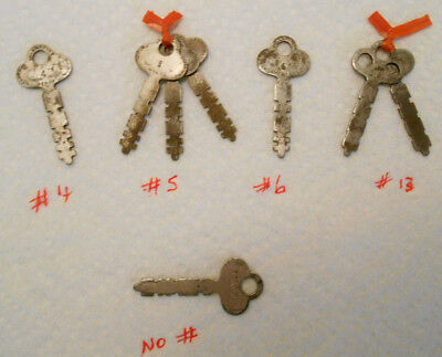 Lot of 8 Vintage Old Yale Flat Stamped Steel Padlock Lock Keys #'s 4 5 6 13 No #