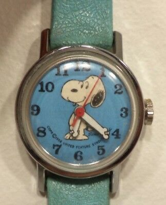 Vintage Snoopy Watch 1958 Mechanical Timex United Feature Syndicate Inc. WORKING