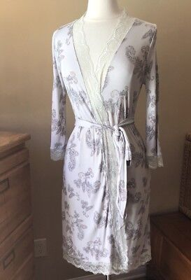 A Pea In The Pod Maternity Robe Size Small