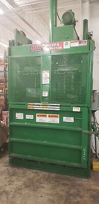 2010 Ptr 2300Hd Vertical Baler For Cardboard & Plastic With Automatic Ejection