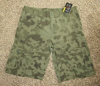 UNDER ARMOUR Youth Size YXL Extra Large Camouflage Golf Shorts New w Tags