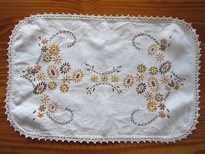 """Vintage 1960s Hand Embroidered """"Daisy"""" Linen Doily with Crochet Edge"""