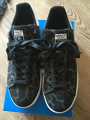 Adidas Stan Smiths, worn once so excellent condition. size 5.5. Comes with box