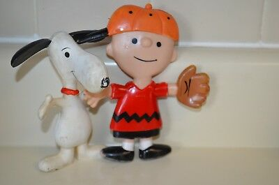Vintage 1969 injected rubber bendable Snoopy Figure Toy Charlie Brown PEANUTS 6""