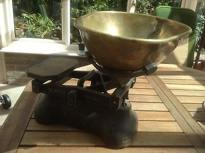 Vintage Brass and Cast Iron Greengrocer Scales Collectable Antique (up to 14lbs)