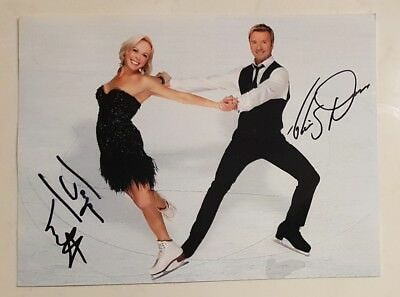 JAYNE TORVILL AND CHRISTOPHER DEAN SIGNED IN PERSON 8 x 6 Inch Photo ICE SKATING