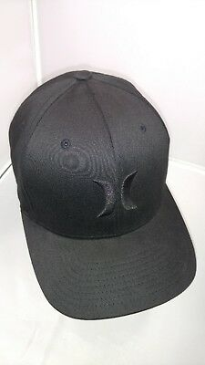 4db5dc60591 Hurley Black Embroidered Flexfit Mens S-M Baseball Style Casual Athletic Hat  Cap