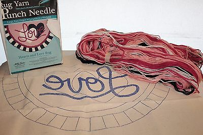 Rug Yarn Punch Needle/Teppich Hearts and Love Rug Gr. ca.68,6x40,6 cm U.S.A. Neu