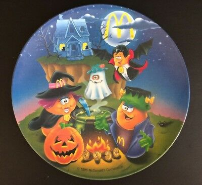 1995 MCDONALDS HALLOWEEN McNUGGETS Melamine Plastic 9.5 in Plate