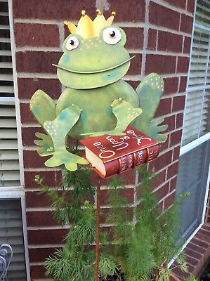 "GREEN TIN FROG from ROUNDTOP COLLECTION ""Once Upon A Time"""