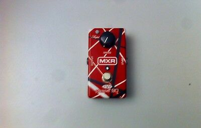 MXR® EVH PHASE 90 This pedal features both Script and Block style phasing .