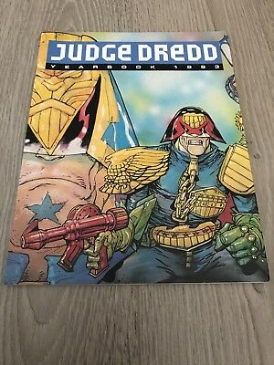 Judge Dredd YEARBOOK 1993 Illustrated Paperback Publisher Fleetway