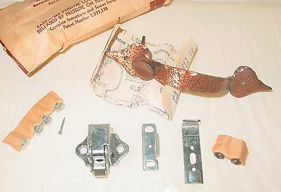 Vintage Amerock Hammered Copper Finish Cabinet Handle Pull Push Button Catch NOS