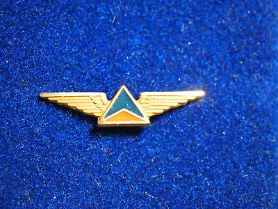 DELTA AIRLINES Stewardess Wings Pin Employee SERVICE AWARD,5 YEARS,1/10 10K Gold
