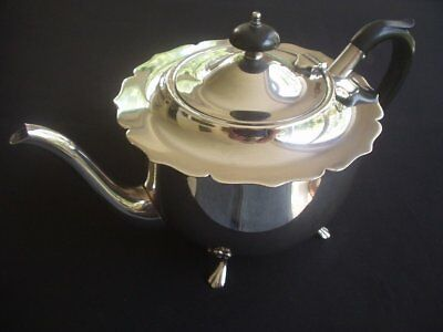 Vintage Silver Plated 2 Pint Teapot ~Yeoman Plate ~Very Stylish