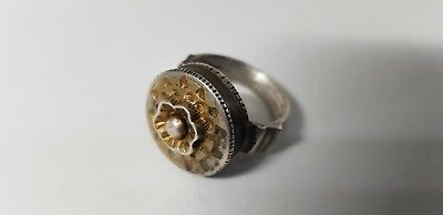 Medieval Silver Seal Ring with Flower  14en, 15 en century AD