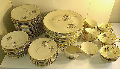 Heinrich 63 Pieces H&C Selb Bavaria Sepia Ivory Gold Wheat Dinnerware Anmut