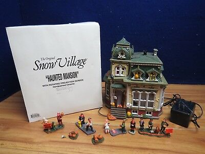 Dept 56  54935 Snow Village Haunted Mansion  With Figures 561078