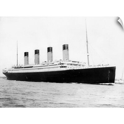 Wall Decal entitled RMS Titanic departing Southampton