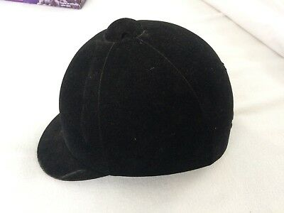 BLACK International riding helmet Hat Size M equestrian horse harness SEI 1010