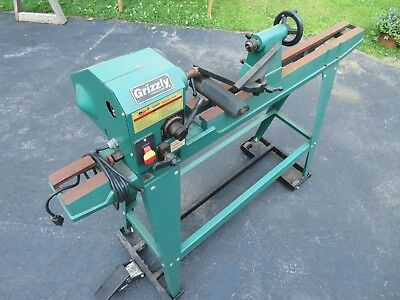 GRIZZLY Industrial G5879 Wood Lathe - Unused