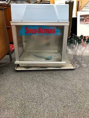 Deluxe Sno Konette Gold Medal Snow Cone Maker $899 Model 1002 Bottles Included
